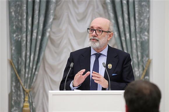 75 лет Льву Амбиндеру, журналисту «Коммерсанта» и президенту Русфонда