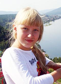 Лера Скуратова, 12 лет, двусторонняя сенсоневральная глухота, требуется звукоусиливающая FМ-система. 222794 руб.