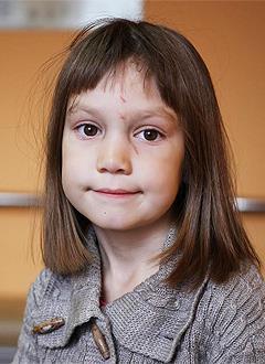 Таня Соколова, 6 лет, врожденный порок сердца, спасет эндоваскулярная операция, требуется окклюдер. 60500 руб.
