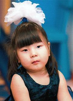Алина Исраилова, 6 лет, детский церебральный паралич, требуется курсовое лечение. 199620 руб.