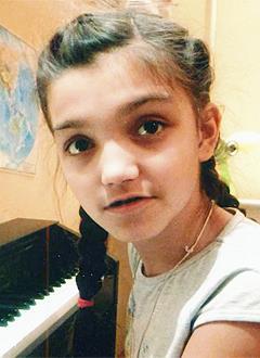 Настя Ярокурцева, 11 лет, нёбно-глоточная недостаточность, недоразвитие челюсти, дефект речи, требуется ортодонтическое и логопедическое лечение в стационаре. 486000 руб.