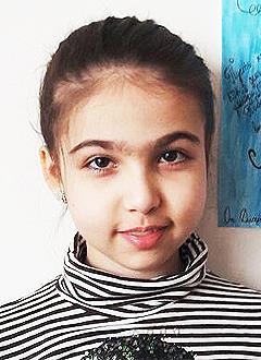 Дарина Дударова, 10 лет, ювенильный ревматоидный артрит, спасет лекарство. 1068074 руб.
