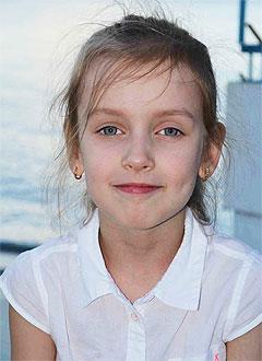 Катя Румянцева, 8 лет, врожденный порок сердца, спасет эндоваскулярная операция. 322203 руб.