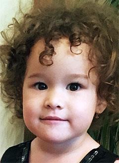 Альбина Ахметзакова, 3 года, двусторонняя тугоухость 3-й степени, требуются слуховые аппараты. 301630 руб.