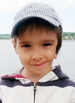 Матвей Черемных, 7 лет, врожденная деформация челюстей, ранняя потеря зубов, требуется протезирование. 180000 руб.