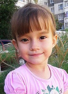 Алена Спиридонова, 4 года, врожденный порок сердца, спасет эндоваскулярная операция. 172711 руб.
