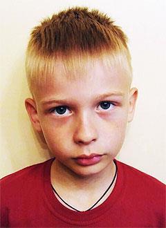 Глеб Марочкин, 7 лет, врожденная левосторонняя косолапость, рецидив, требуется лечение. 151900 руб.
