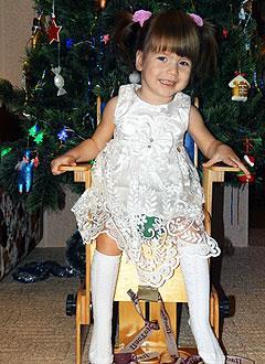 Таня Максимович, 4 года, детский церебральный паралич, требуется лечение. 199430 руб.