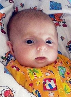 Арина Михайлова, 5 месяцев, несовершенный остеогенез, требуется курсовое лечение. 527310 руб.
