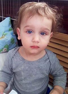 Даня Шишков, 1 год, врожденный порок сердца, спасет операция. 430818 руб.