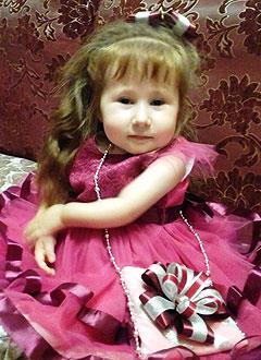 София Князева, 6 лет, несовершенный остеогенез, требуется курсовое лечение. 527310 руб.