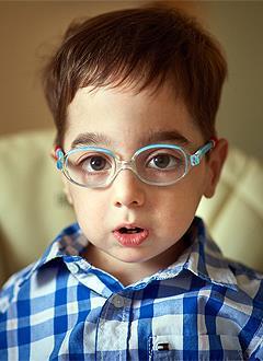 Сережа Симонян, 5 лет, редкое генетическое заболевание – остеопетроз, состояние после трансплантации костного мозга, требуется обследование в медицинском центре Хадасса Медикал Сколково (Москва). 76384 руб.