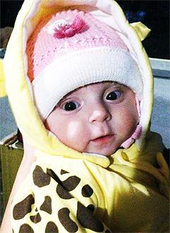 Арина Михайлова, 11 месяцев, несовершенный остеогенез, требуется курсовое лечение. 527310 руб.