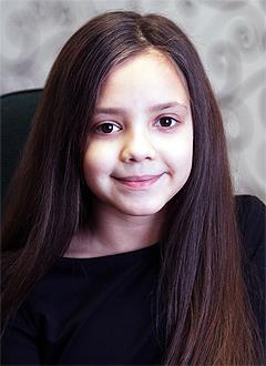 Кира Тигина, 11 лет, синдром Шерешевского – Тернера (генетическая аномальная низкорослость), требуется лекарство. 242281 руб.